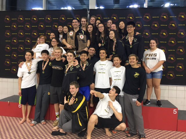 Last+year%27s+state+champions+pose+at+the+meet.+Twitter%2F%40PHSSWIMDIVE_