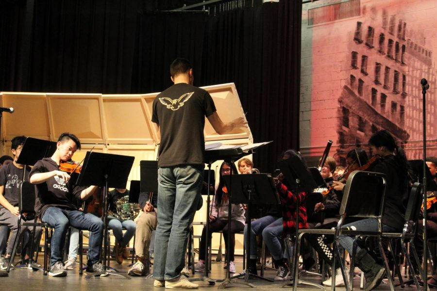 Mr.+Rogoza+conducts+the+band+at+their+in-school+concert.+