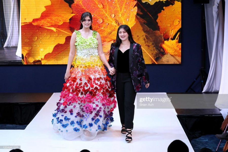 LaPointe+with+a+model+wearing+one+of+her+designs